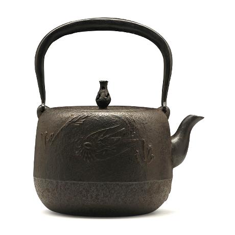 巖戶鑄造所 棗型龍紋鐵壺