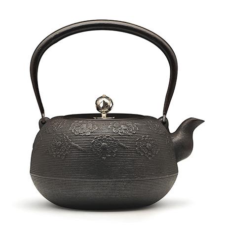 佐藤勝芳 繩紋櫻紋鐵壺(銀摘)